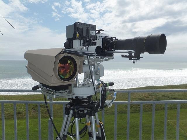 飛翔体3次元位置計測装置 シネ・セオドライト